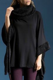 CAPOTE Faux Fur Poncho - Front cropped