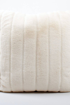 8 Oak Lane Faux Fur Pillow - Alternate List Image