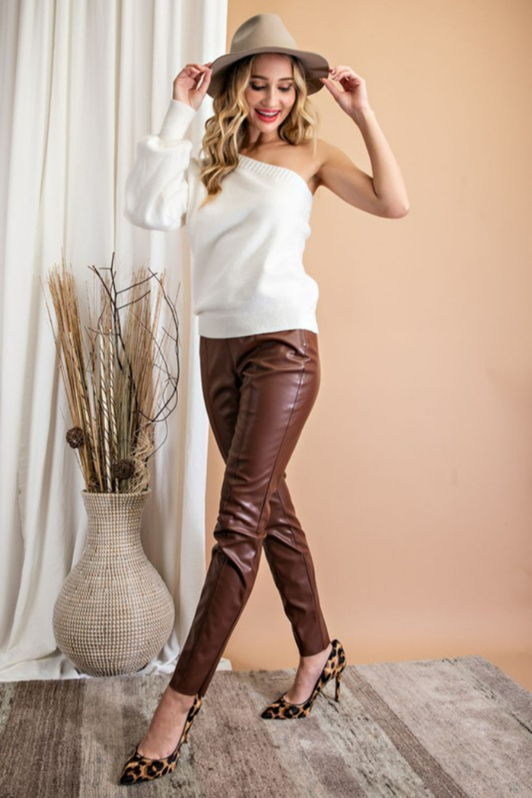 eesome Faux Leather Skinny Pants - Back Cropped Image