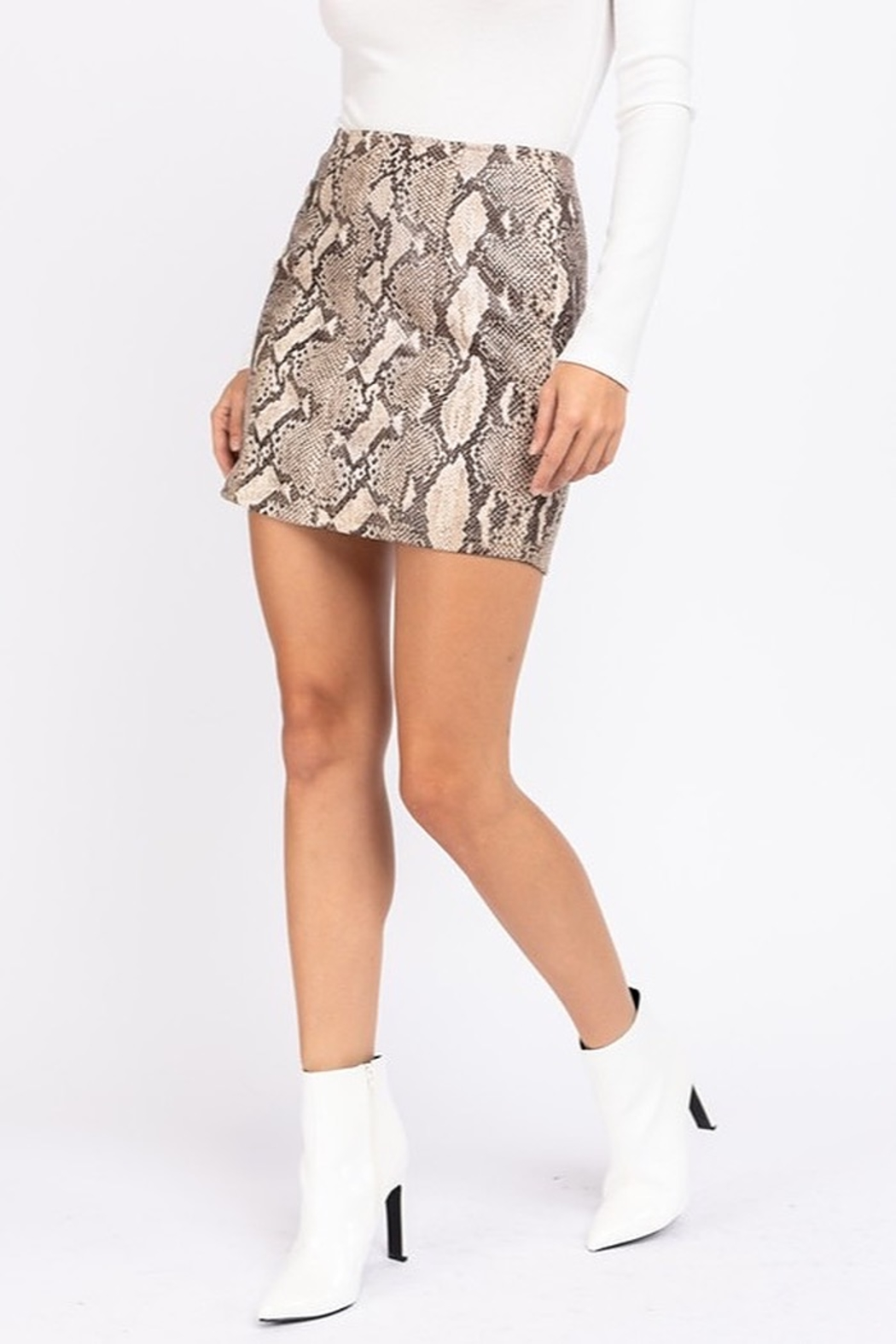 Le Lis Faux Leather Snake Print Skirt - Side Cropped Image