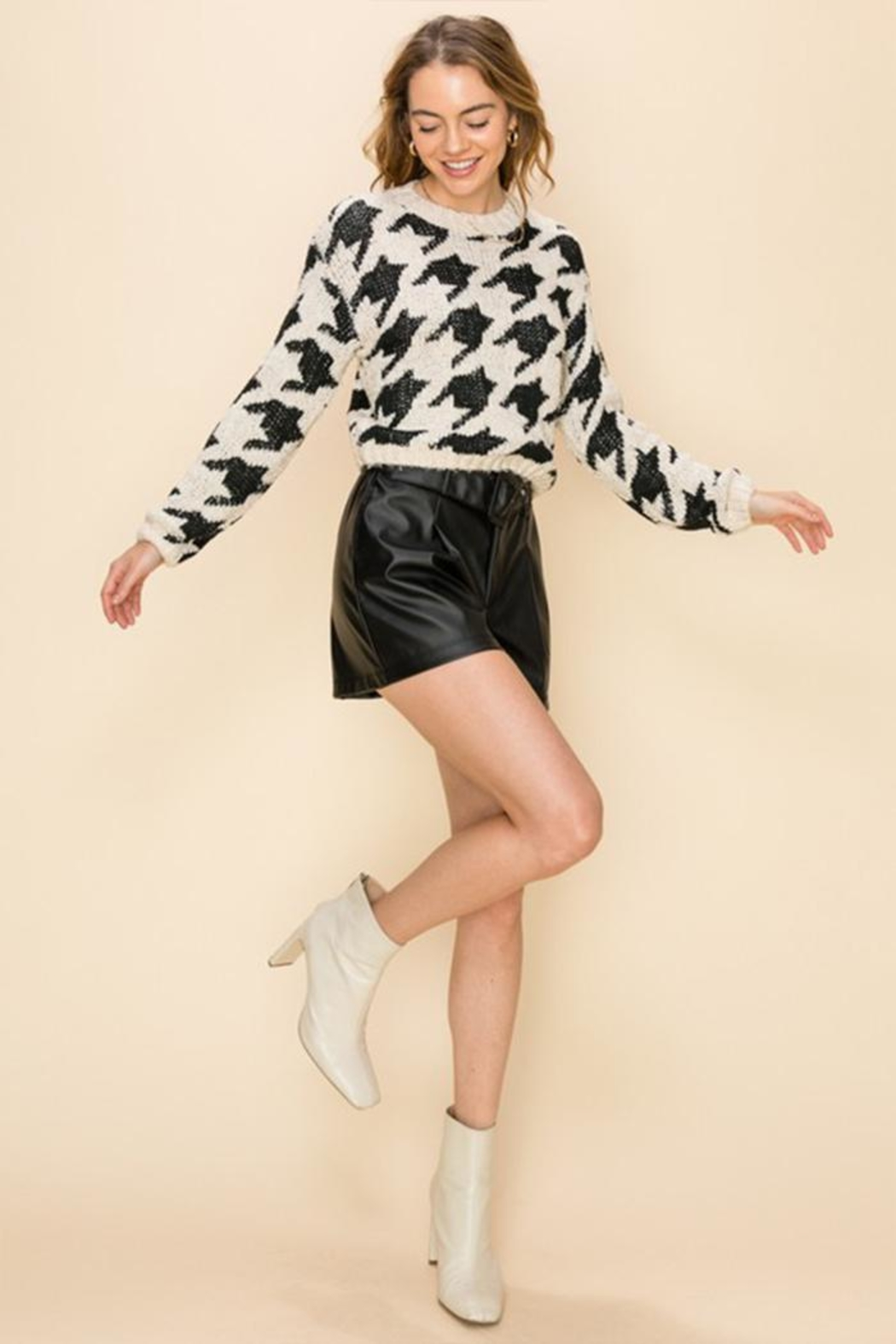 Favlux Houndstooth Crew Sweater - Back Cropped Image