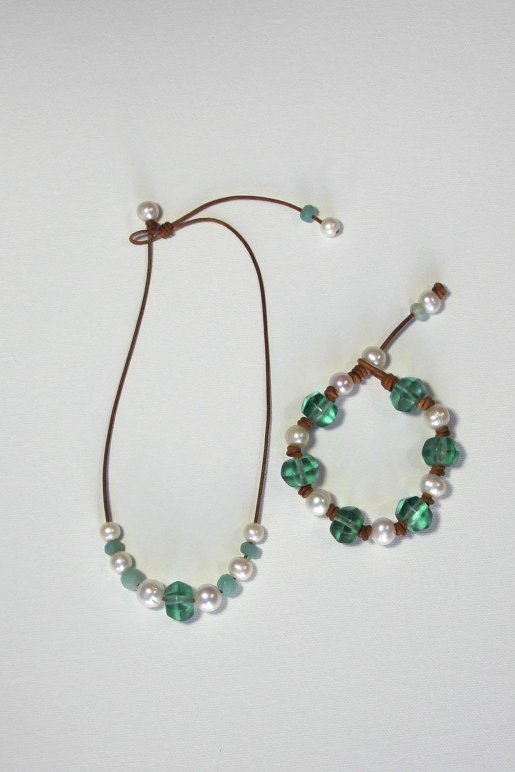 Lily Chartier Pearls Beachy Necklace - Side Cropped Image