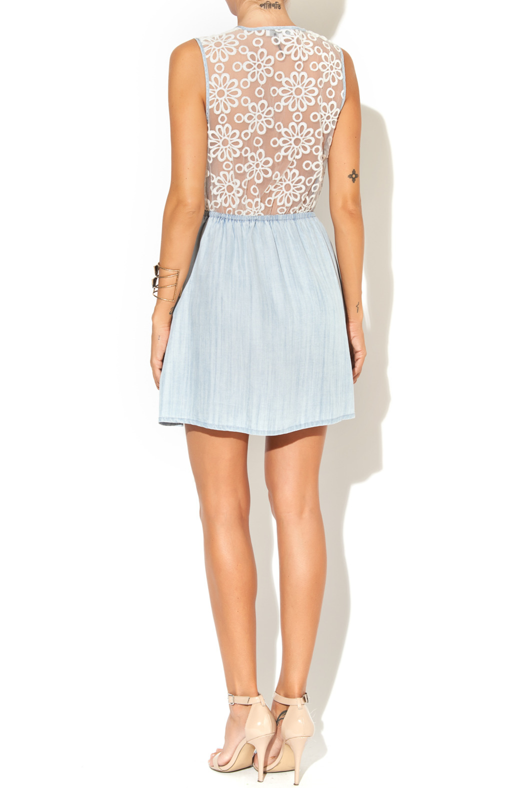 Collective Concepts Denim Dress - Side Cropped Image