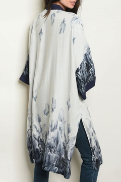 FATE by LFD Feather Grey/navy Kimono - Alternate List Image