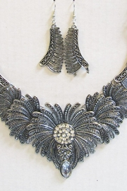 Unbranded Feather Motif Necklace - Product Mini Image