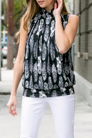 Riah Fashion Feather-Print-Mock-Neck Pleated-Sleeveless-Top - Back cropped