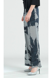 Clara Sunwoo Feather print palazzo pant - Front full body