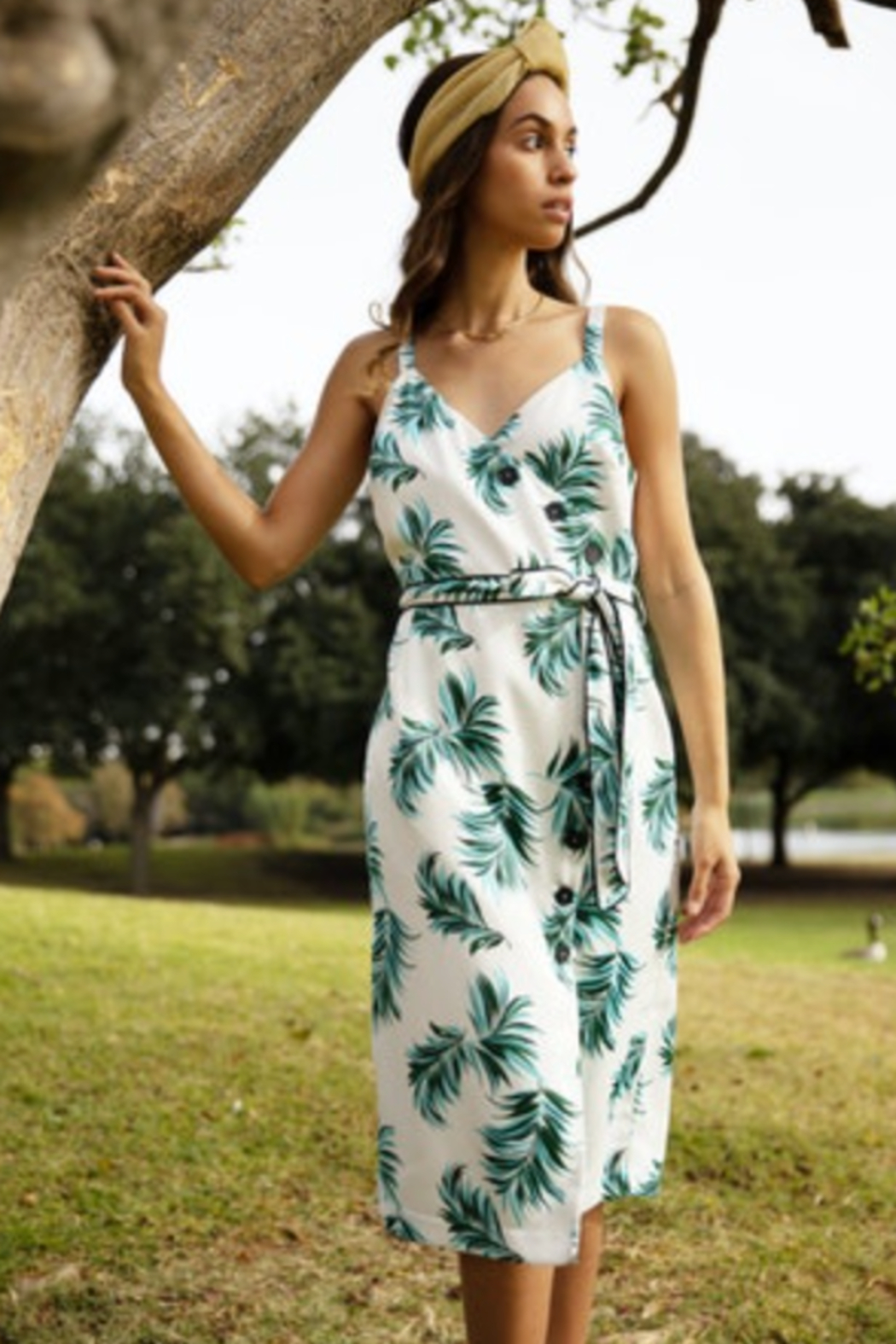 Adelyn Rae Fern Button Front Midi Dress - Side Cropped Image