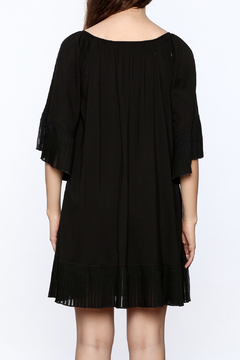 Filomena Fernandez Black Fan Pleated Dress - Alternate List Image