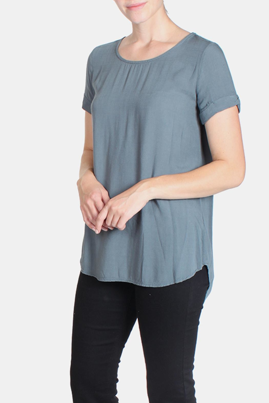 Final Touch Short Cuff Sleeve Tee - Side Cropped Image
