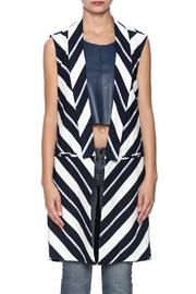 Finders Keepers New Memory Vest - Side cropped