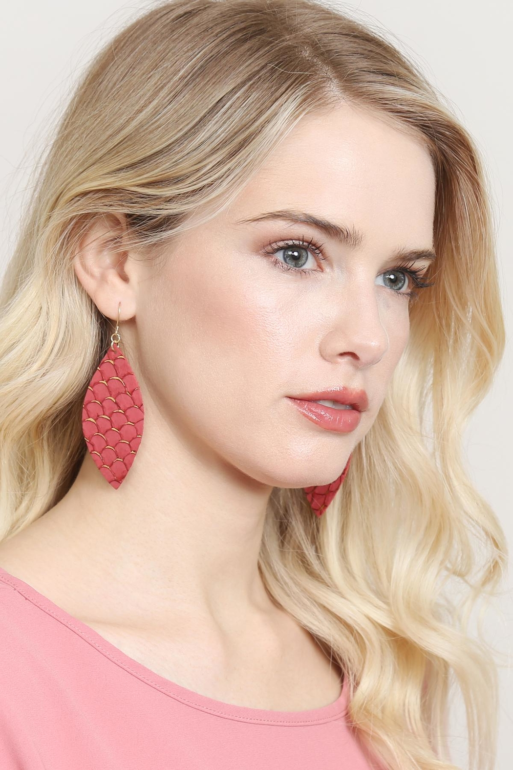 Riah Fashion Fish-Scale Marquiseleather Drop-Earrings - Back Cropped Image