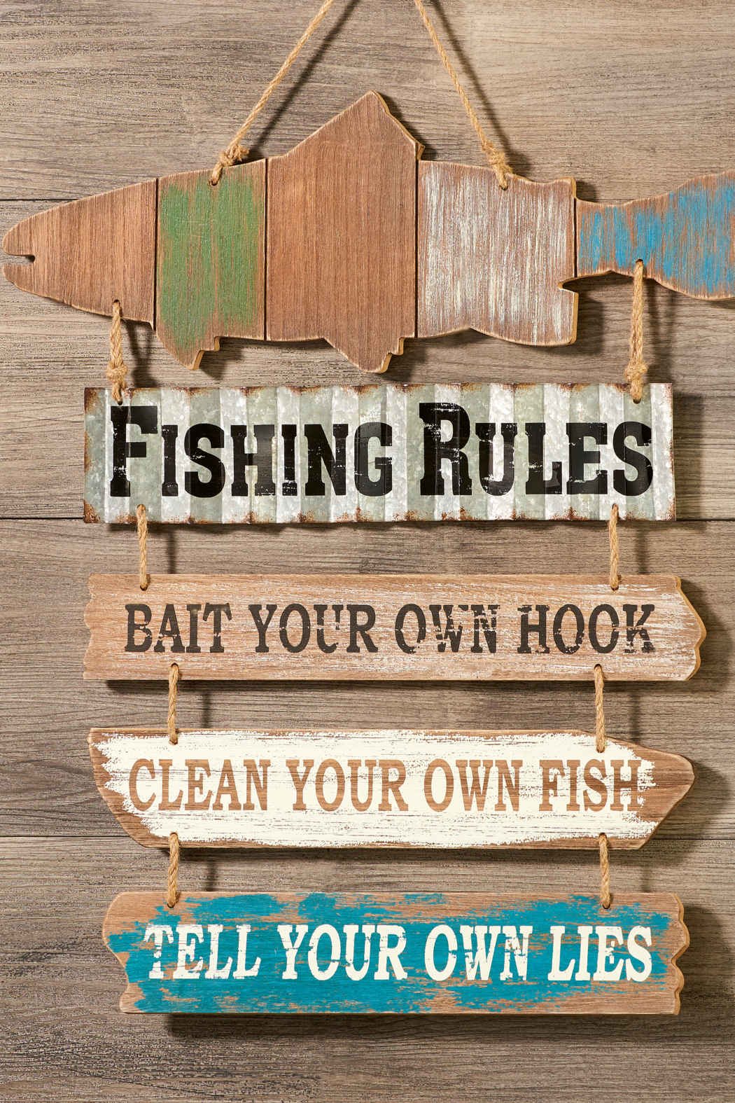 Giftcraft Inc.  Fishing rule sign - Main Image