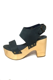 Five Worlds Poza Block Heel - Front cropped