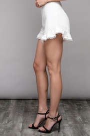 Do & Be Flare Frill Shorts - Side cropped