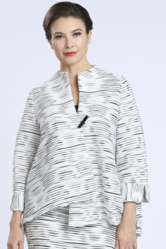 IC Collection FLARE ONE BUTTON JACKET 2375J WHITE - Alternate List Image