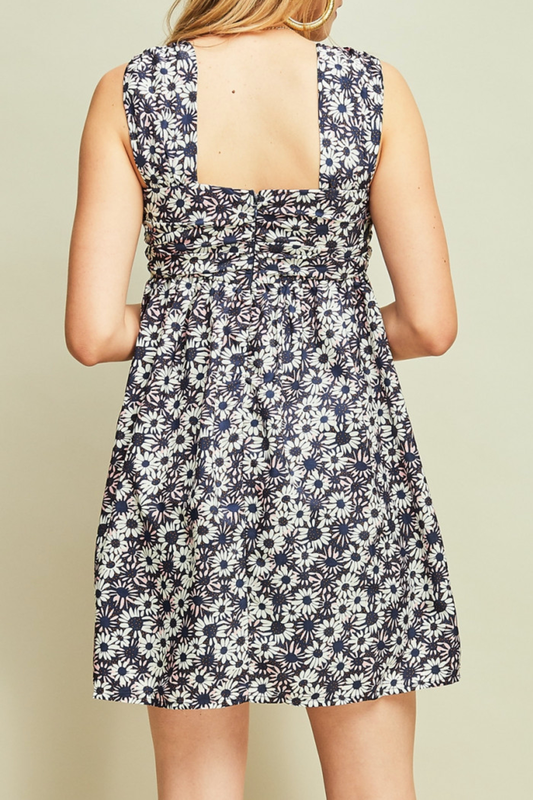 entro  Flirty Floral dress - Front Full Image