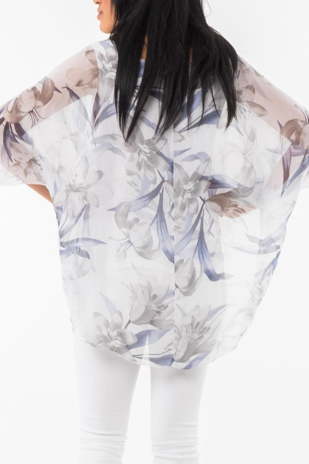 M made in Italy Floral 3/4-Sleeve Top - Side Cropped Image