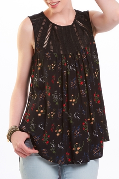 Charlie Paige Floral and Lace Tank - Alternate List Image