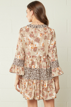 entro  Floral and Leopard Print Contrast Tiered Dress - Alternate List Image