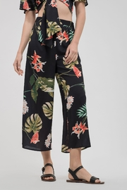 Blu Pepper Floral Cropped Pant - Product Mini Image