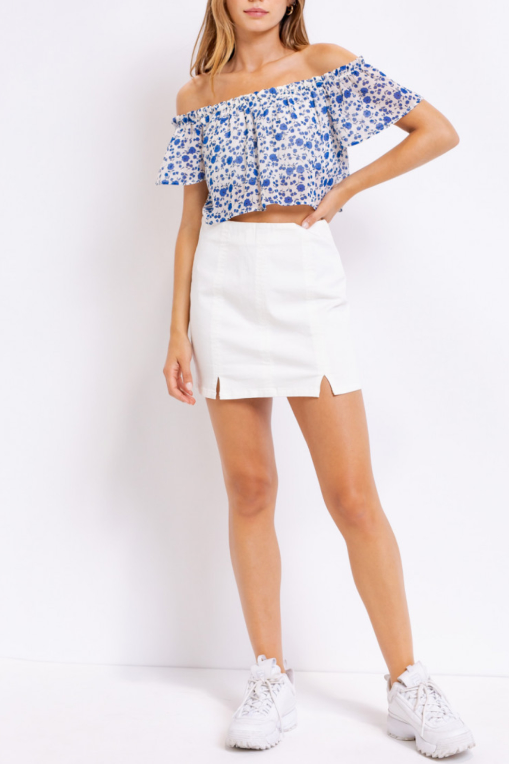 Le Lis Floral Cutie Top - Side Cropped Image