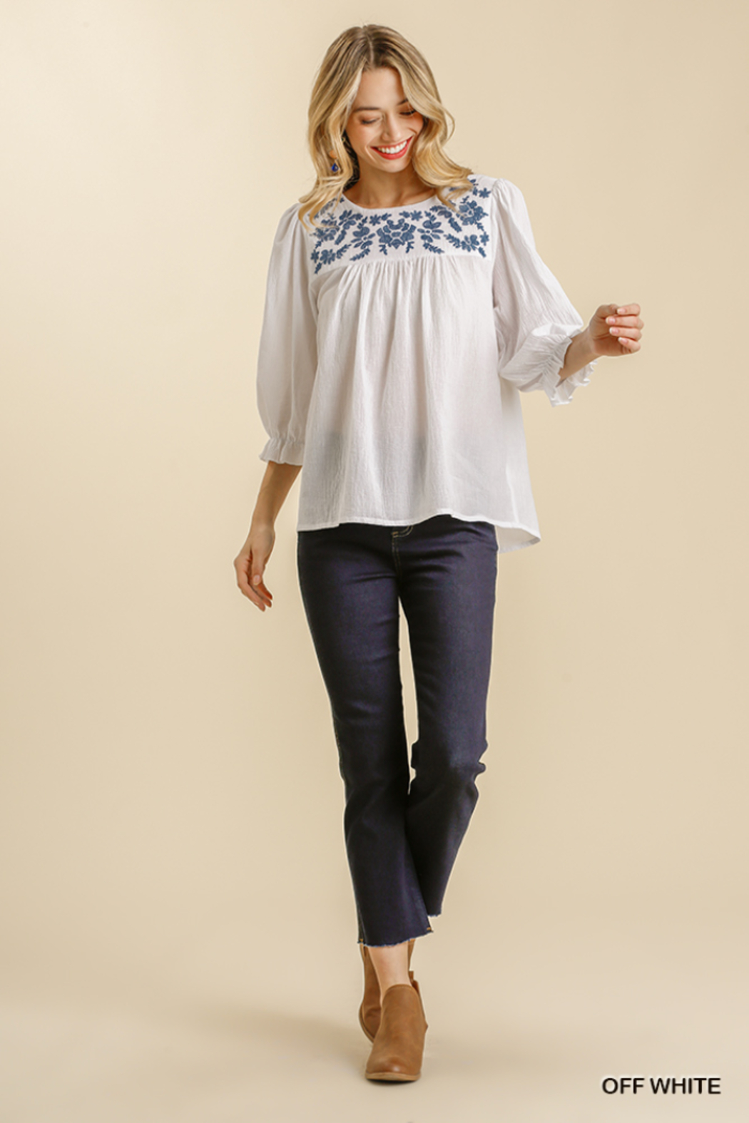 umgee  FLORAL EMBROIDERED YOKE 3/4 CUFF SLV TOP - Side Cropped Image