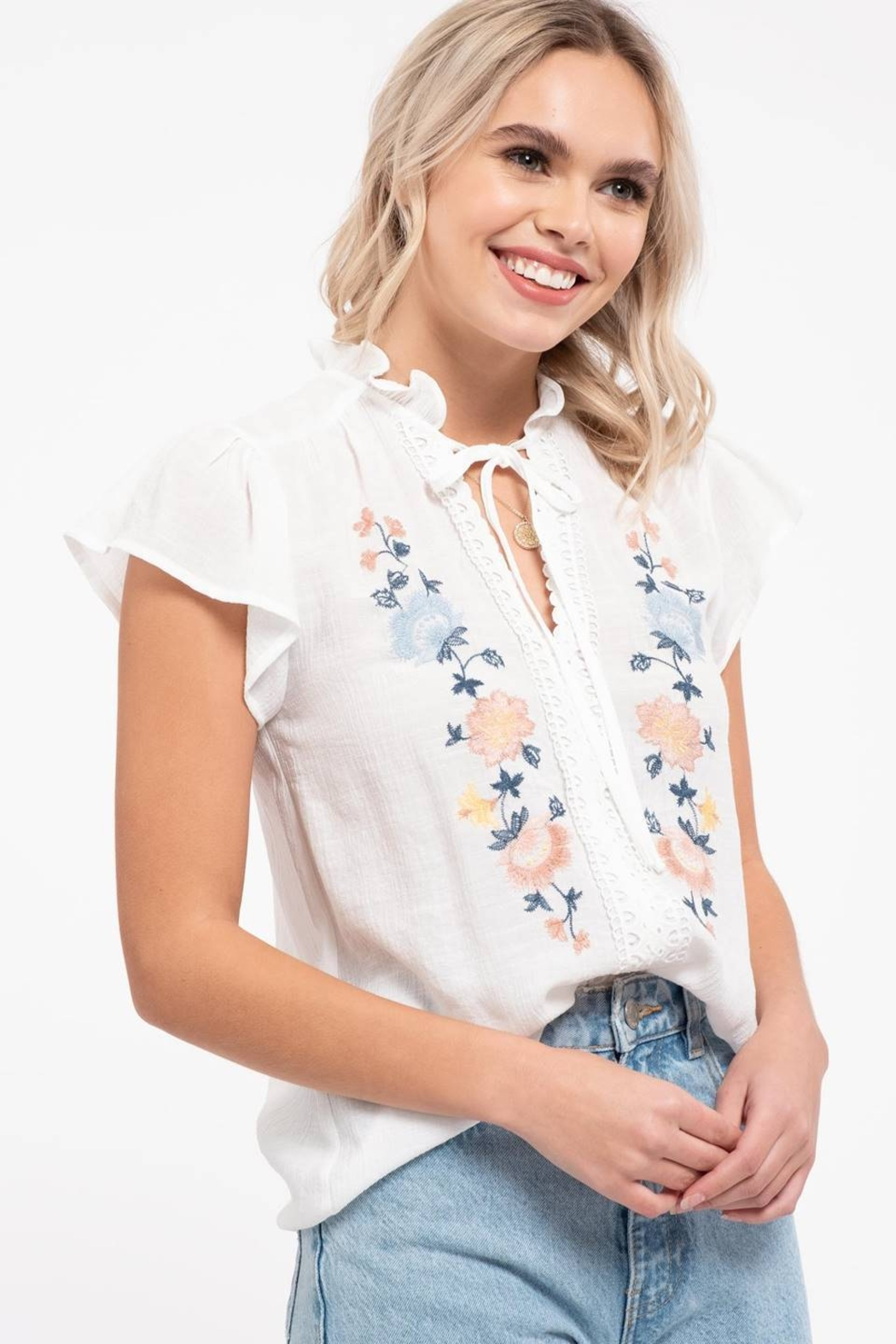 Mine Floral Embroidery Top - Side Cropped Image