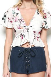 Illa Illa Floral Front-Tie Top - Side cropped
