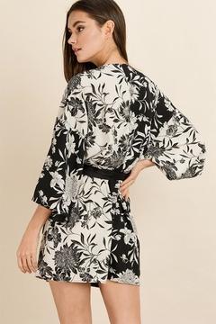 dress forum Floral Kimono Dress - Alternate List Image