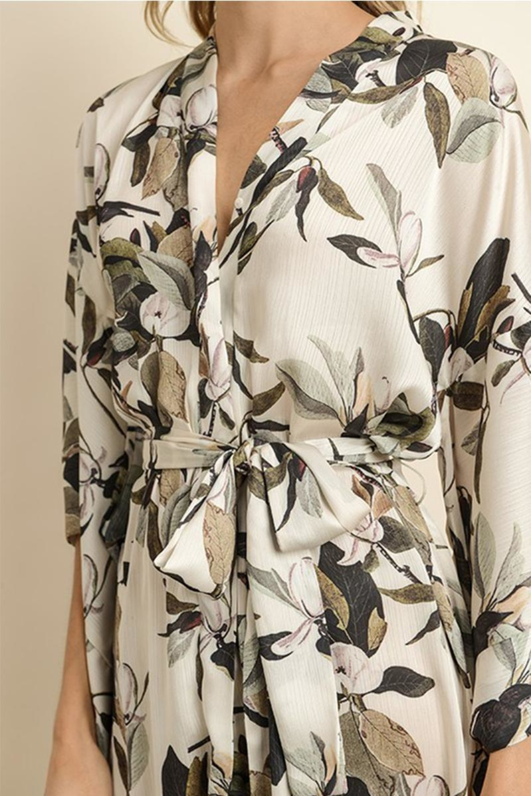 dress forum Floral Kimono Dress - Front Full Image