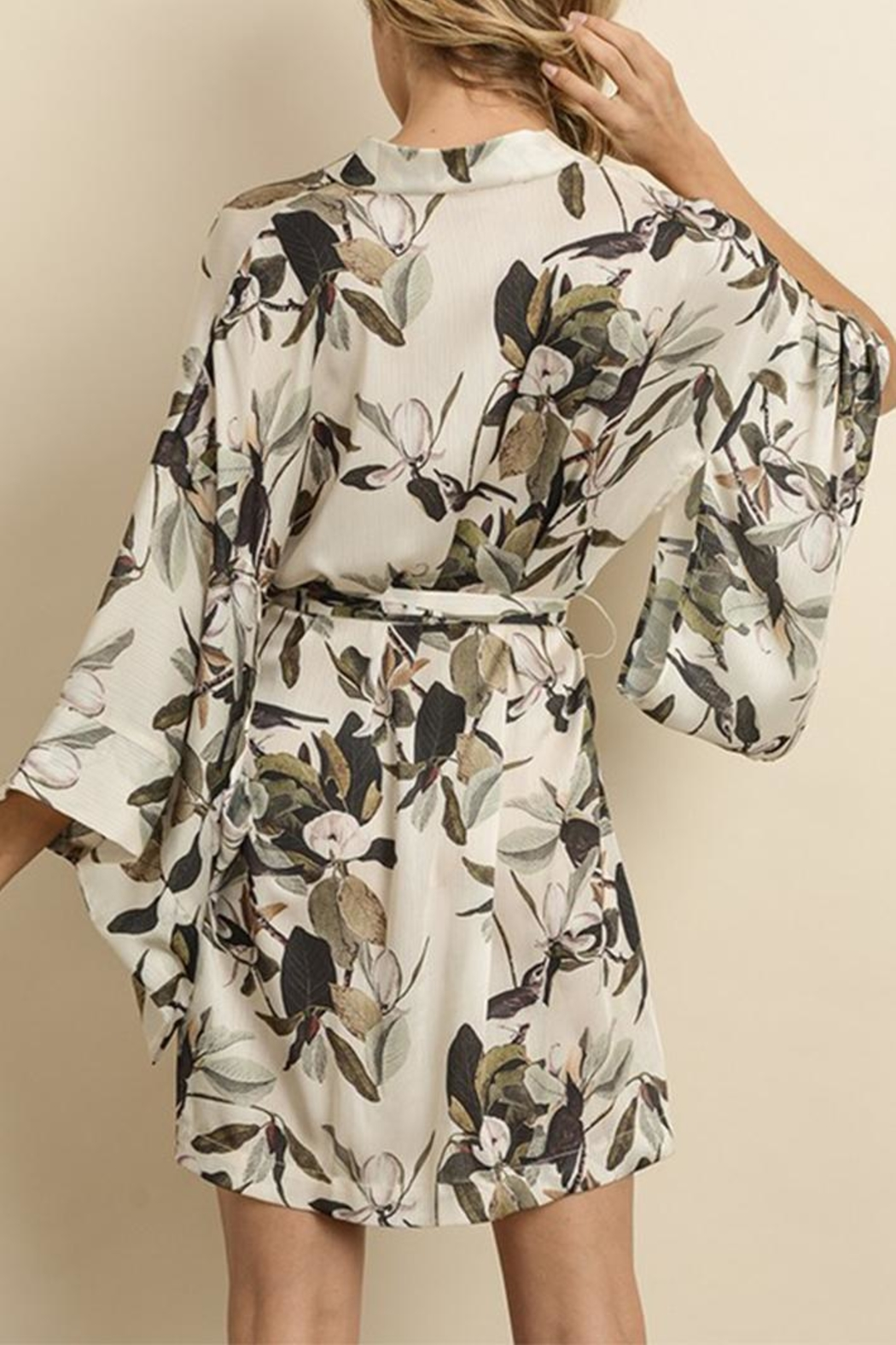 dress forum Floral Kimono Dress - Back Cropped Image