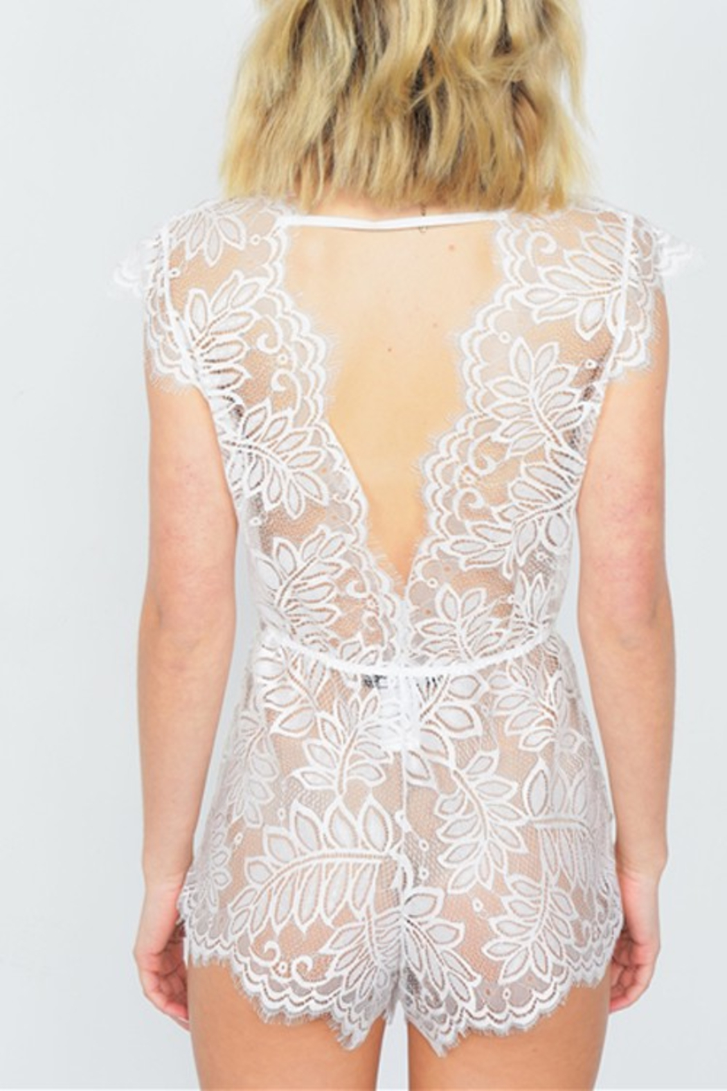R+D Floral Lace Romper - Side Cropped Image