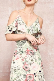 Promesa Floral Maxi Dress - Side cropped