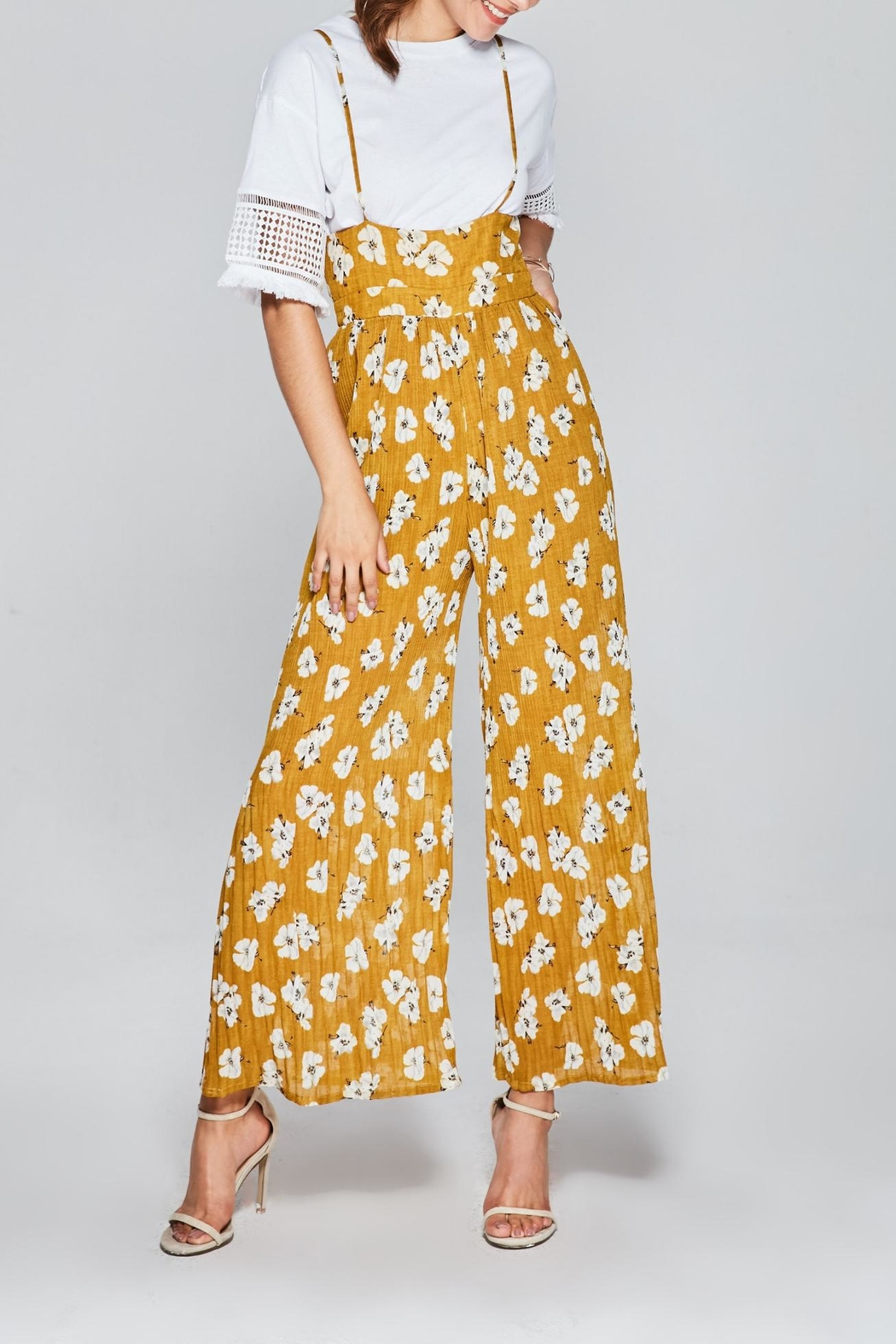 Few Moda Floral Pleated Jumpsuit - Side Cropped Image