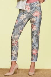 Charlie B Floral Print Ankle Jean - Product Mini Image