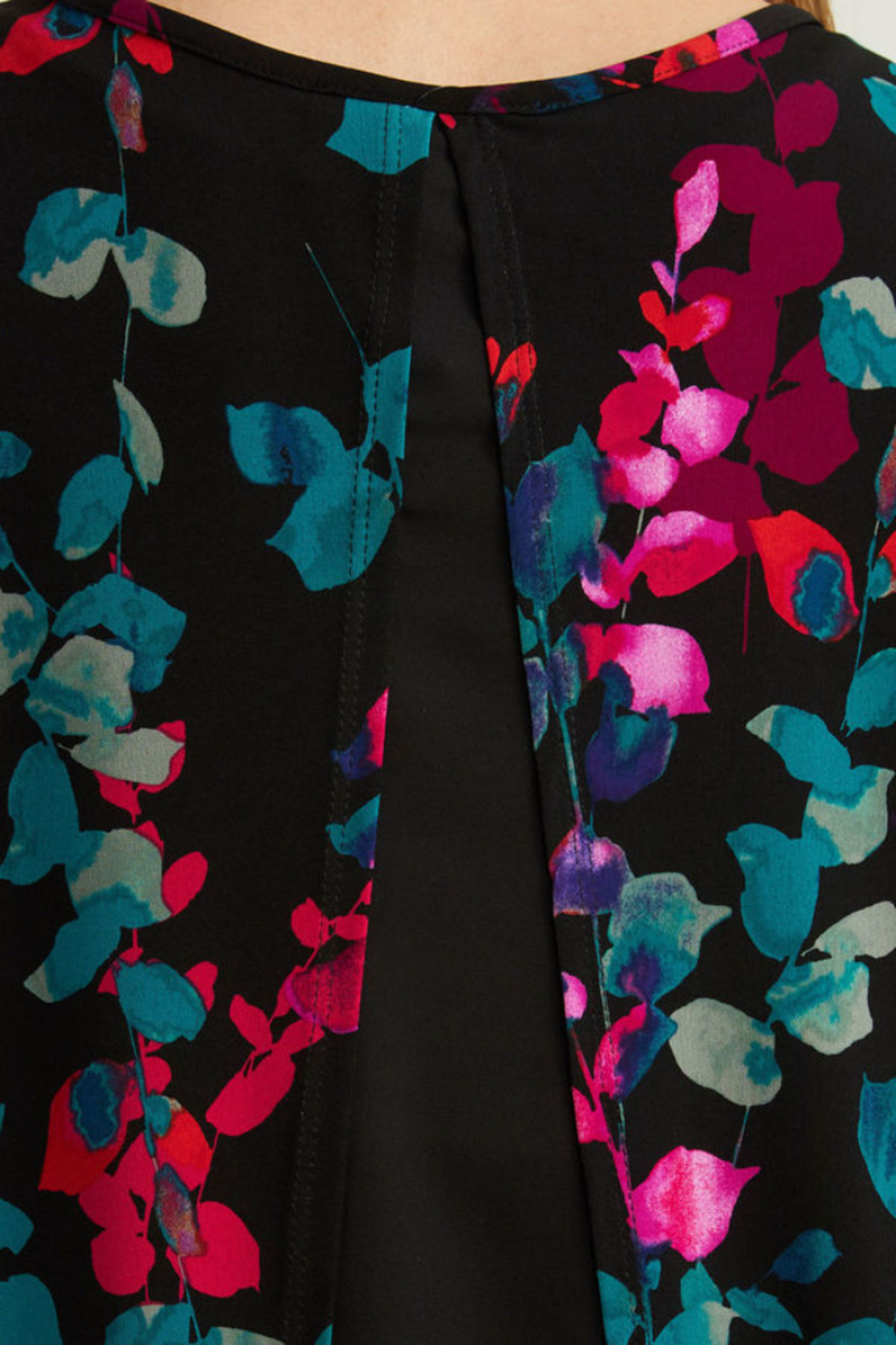 Joseph Ribkoff  Floral print top. Short sleeves. - Side Cropped Image