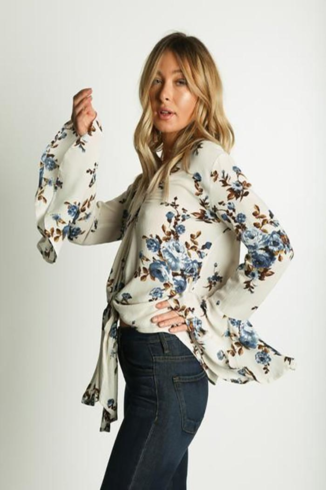 Grade and Gather Floral Printed Blouse - Side Cropped Image