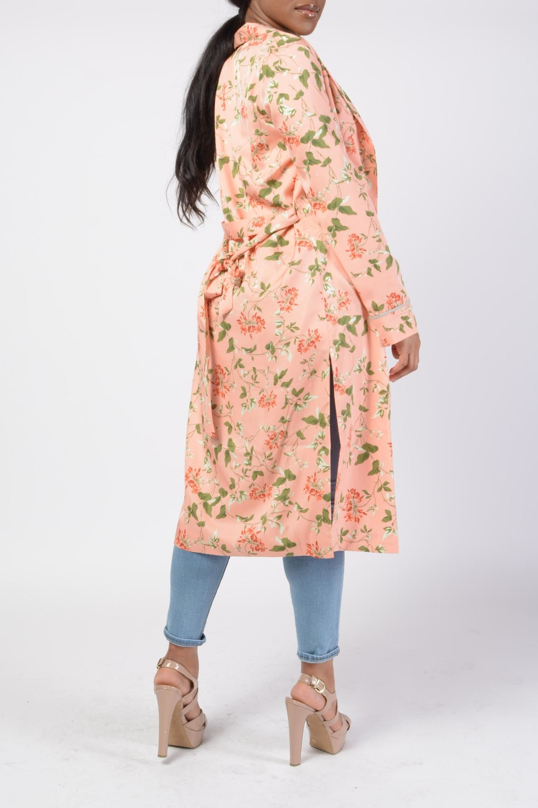 MODChic Couture Floral Robe Duster - Side Cropped Image