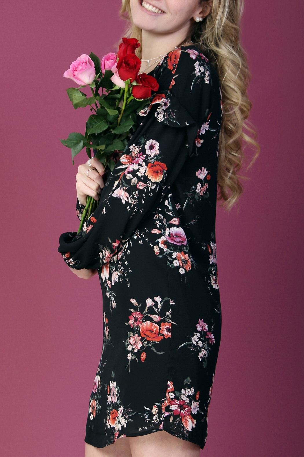 Everly Floral Shift Dress - Back Cropped Image