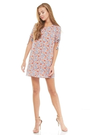 rokoko Floral Shift Dress - Front cropped