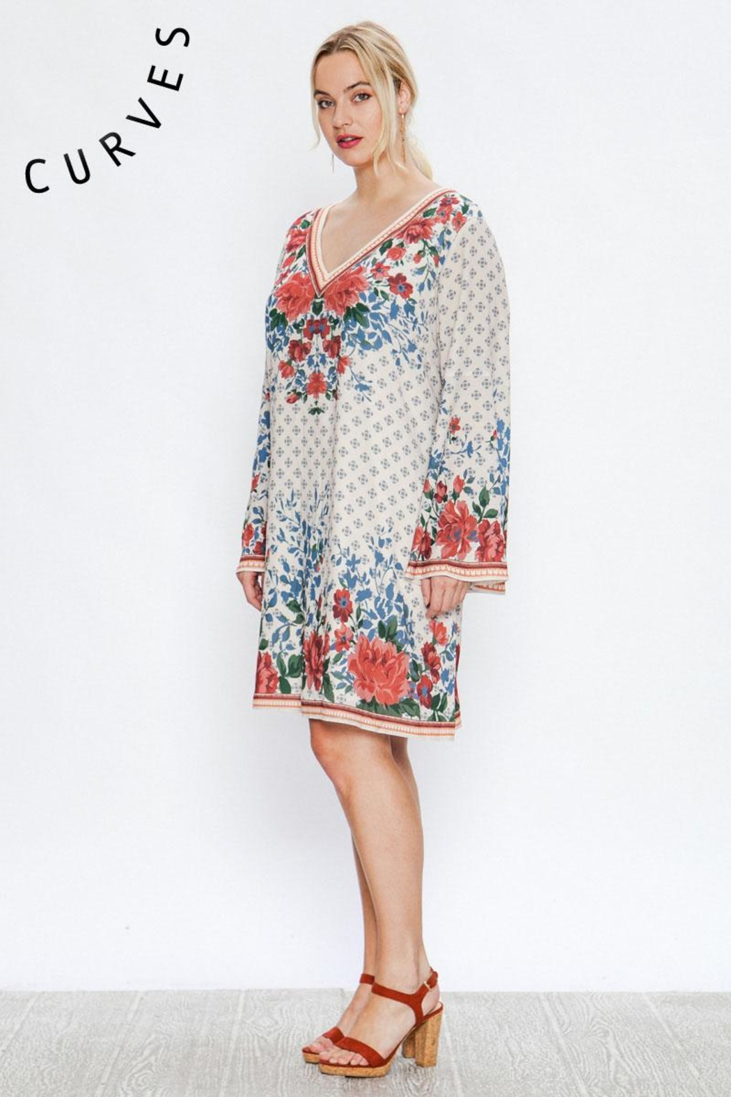 A. Calin Floral Shift Dress - Side Cropped Image