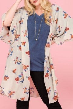 Janette Plus Floral Side-Slit Kimono - Alternate List Image