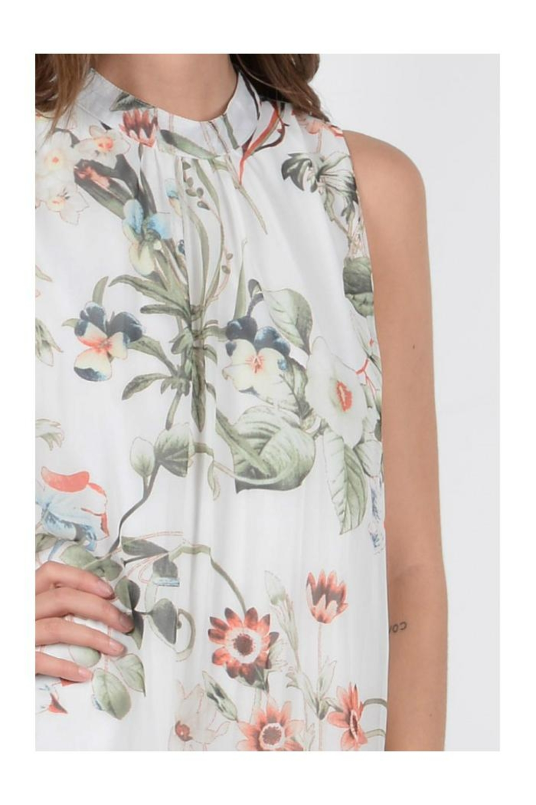 Molly Bracken Floral Sleeveless Dress - Side Cropped Image