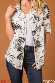Simply Noelle Floral Top - Product Mini Image