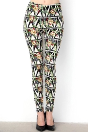 New Mix Floral Triangle Legging - Product Mini Image