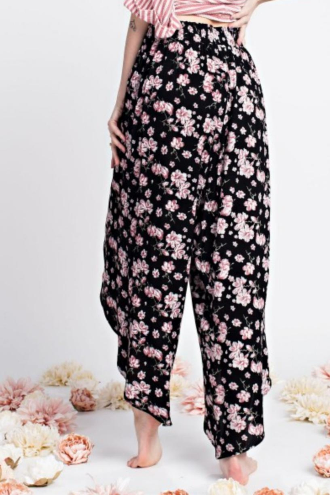 easel Floral Tulip Pant - Front Full Image