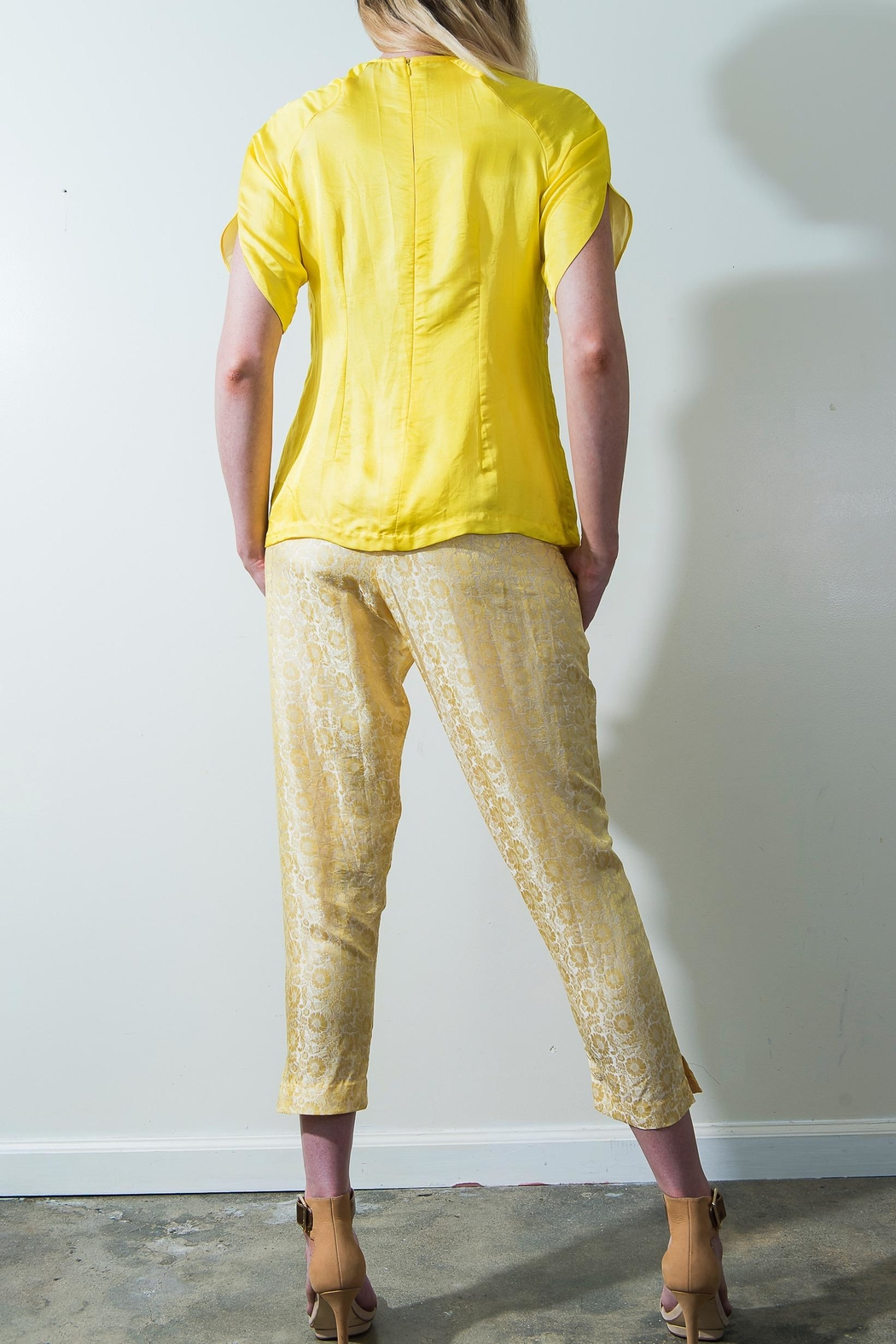 Dawn Sunflower Floral Yellow Blouse - Side Cropped Image