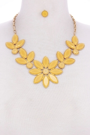 Unlabel Flower Mustard Necklace-Set - Product Mini Image