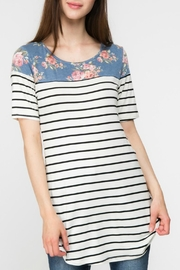Adora Flowers-And-Stripes Long Tee - Back cropped